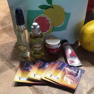 L'Occitane 2019 Beach Essential kit